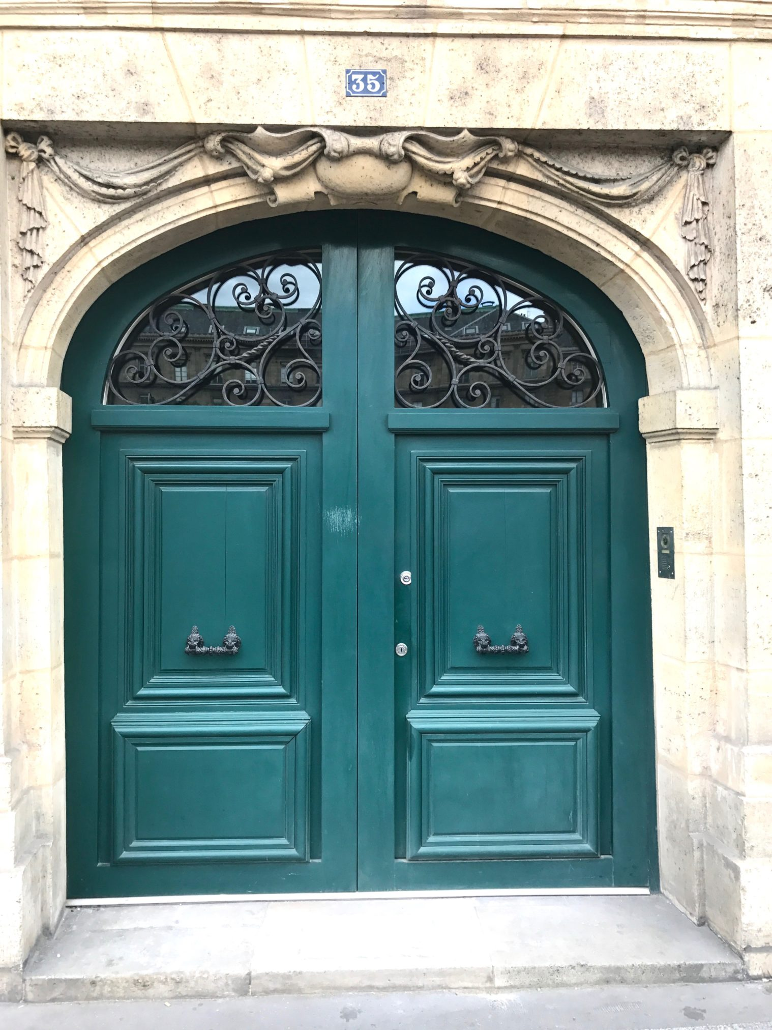After traveling to Paris I fell in love with the colorful and gorgeous doors, to see more inspirational front doors from the streets of paris head over to www.homewithkeki.com #interiors #travel #paris