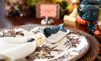 Vintage Inspired Thanksgiving Tablescape