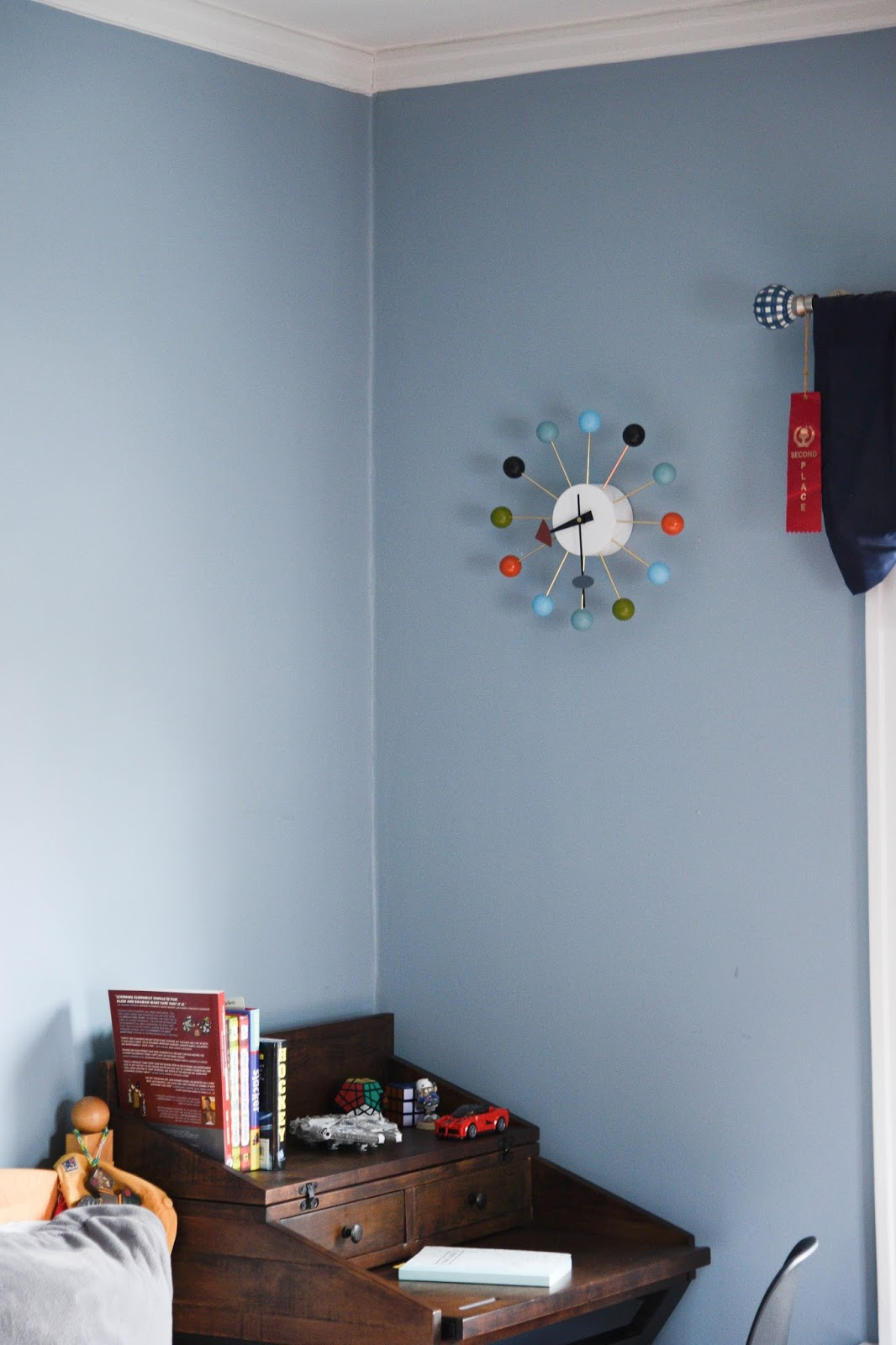 Small space desk ideas for kids room interior styling tips for kids spaces www.homewithkeki.com