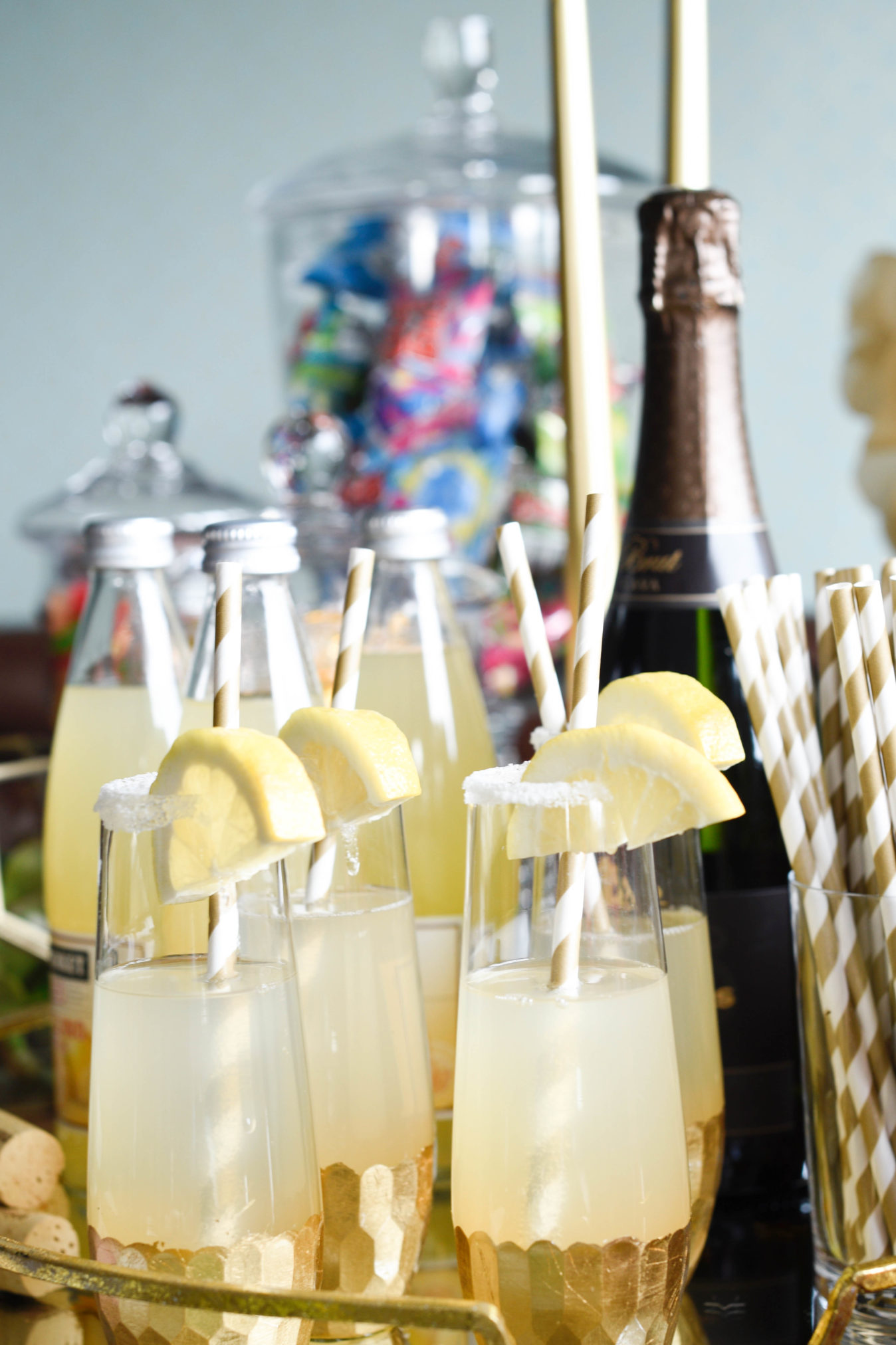 oscar season is here and hosting a party can be easy itu0027s all about displaying