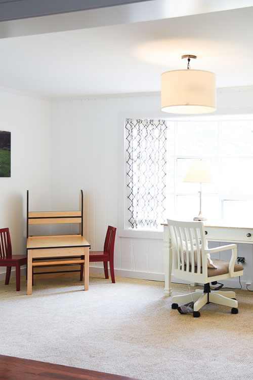 Having a space for kids to be creative, but at the same time, a room that a parent can work in is crucial, on the blog I show you how I transformed my clients sunroom into a multi-use space for kids and adults #kidsroom #sunroom #homeoffice #interiordesignblogger more at www.homewithkeki.com