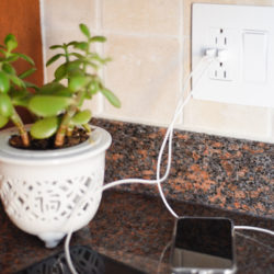 Best USB wall outlets for your home, with built-in USB and outlet and light switch plates from Legrand. For more tips visit www.homewithkeki.com #DIY #commandcenter #outlets